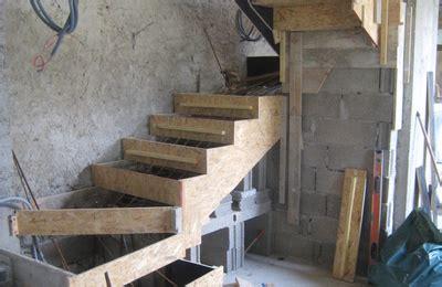comment faire un escalier en beton transformation renovation d une grange en loft