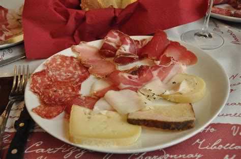 siena cuisine foods to eat in umbria and tuscany