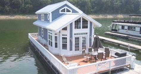 Living On A Large Boat by Enjoy Cottage Living At Its Finest In A Gorgeous 2 Story