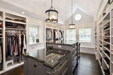 master bath    foot tray ceiling
