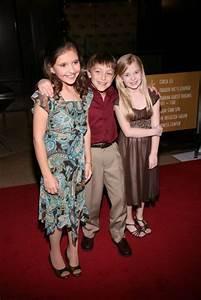 Season 2 5th Grade Cast Mackenzie Holmes & Sierra ...