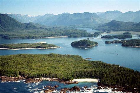 island vs peninsula difference and comparison diffen