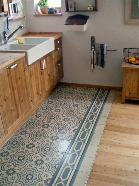 zementfliesen  der kueche  mosaico zementfliesen