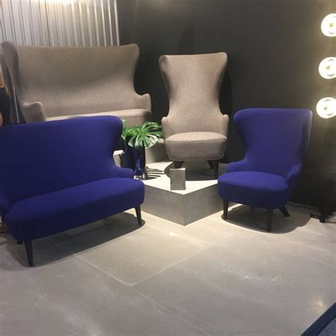 canape bleu indigo fauteuil à haut dossier indigo tom dixon version