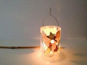 Basteln Mit Plastikbechern : laterne aus pet flasche lantern made of plastic bottle bastelinspirationen pinterest ~ Watch28wear.com Haus und Dekorationen