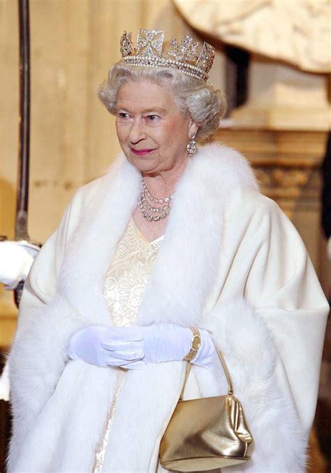 News Queen Elizabeth Queen Elizabeth Ii Celebrates 90th Birthday 7 Frequently
