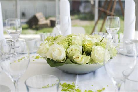 Tischdeko Hochzeit Grün Weiß Tischdeko In Gr N Weiss Gro E
