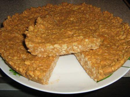 Mandeļu kūka (mandeles, cukurs, milti, vārīts ...