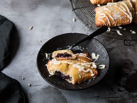 keto spiced berry pop tarts ketodiet blog