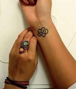 Tatouage Amour éternel : 21 id es pour un tatouage du signe infini ~ Melissatoandfro.com Idées de Décoration