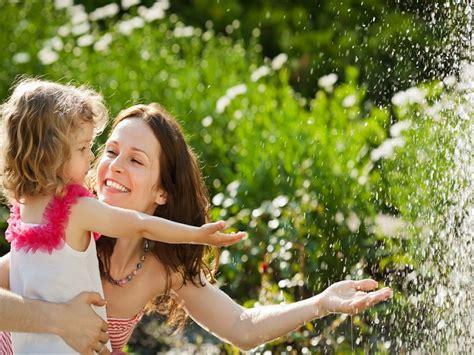 Cara Wanita Hamil Tua Cara Membuat Anak Merasa Bahagia Dan Merasa Dicintai