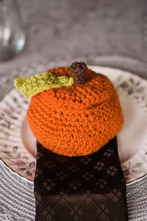 diy crochet pumpkin favors