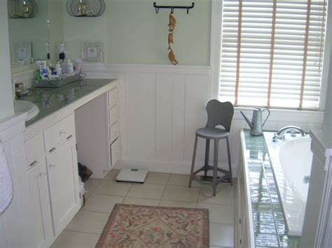Wide Beadboard : Wide-plank Paneling For Bathroom