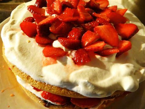 ma cuisine cr駮le gâteau aux fraises photo de ma cuisine l 39 écrin de nouchka