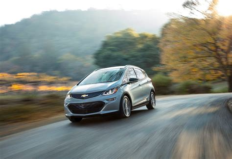 Chevrolet Bolt 2016 by 2017 Chevrolet Bolt Ev Features Machinespider