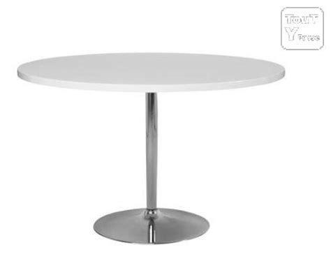 table ronde laqu 233 e blanche alin 233 a