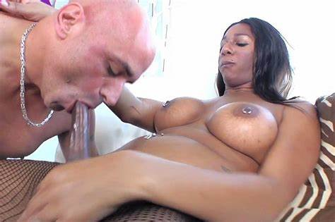 Alisha Madison Small Superb Woman showing porn images for army shemale porn