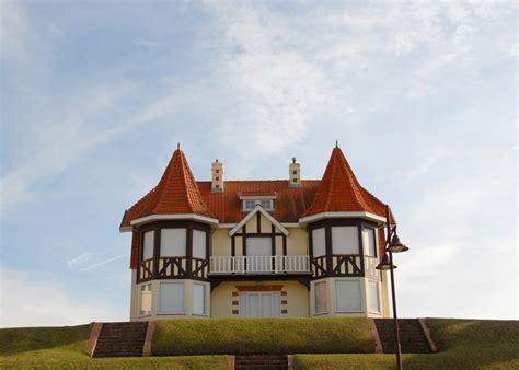 Haus An Der Strandprommenade In De Haan, Belgien Foto