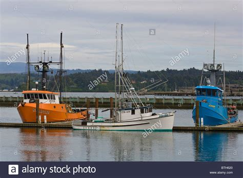 Free Boats Oregon by Commercial Fishing Boats In Marina On The Siuslaw River In