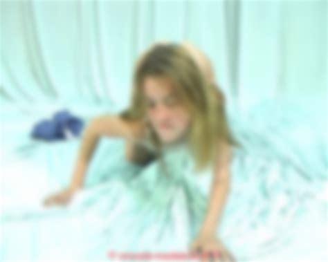 Vladmodels Anna Y123 Pose Video Cstm 2007 06 15 Nonude Models