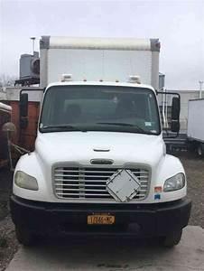Freightliner  2005    Van    Box Trucks
