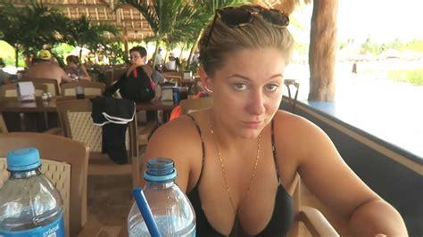 shawn johnson  bikini honeymooning  mexico  gotceleb