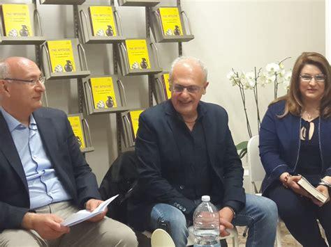 Libreria Mondadori Castellammare Di Stabia by Pino Imperatore A Castellammare Di Stabia Per Il Suo