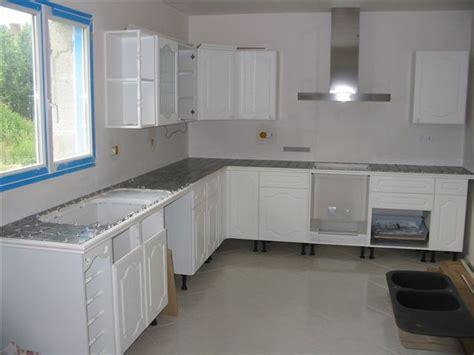 cuisine mur gris cuisine blanc mur gris solutions pour la décoration