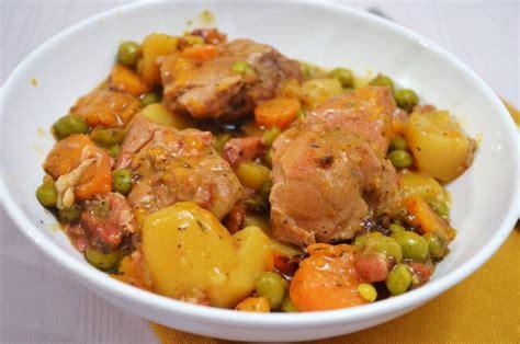 comment cuisiner un sauté de porc sauté de porc en ragoût une recette de mijoté