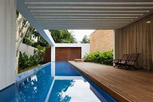 Minimalist, Square, Home, Interior, Design, By, Isay, Weinfeld, Blue, Infinity, Pool, In, Wooden, Flo