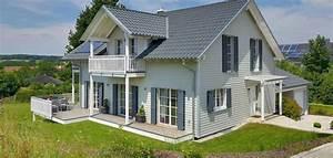 Zweites Haus Auf Eigenem Grundstück Bauen : landhaus mit stil moderne landh user bietet viel freiraum ~ Orissabook.com Haus und Dekorationen