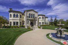 The Summit gated community in the Beverly Hills Post ...