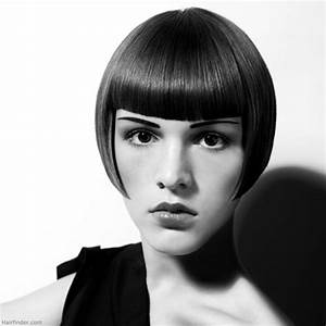1920s Charleston hairstyle | Bob that just covers the ear ...