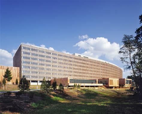 the bureau of census us census bureau headquarters som archdaily