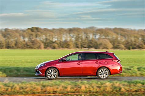 TOYOTA Auris Touring specs & photos - 2015 - autoevolution