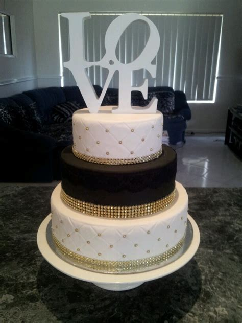 Black and White Gold Wedding Cake