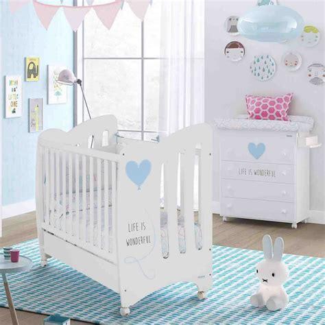 chambre bébé autour de bébé chambre bb lit et commode wonderful de micuna chambre