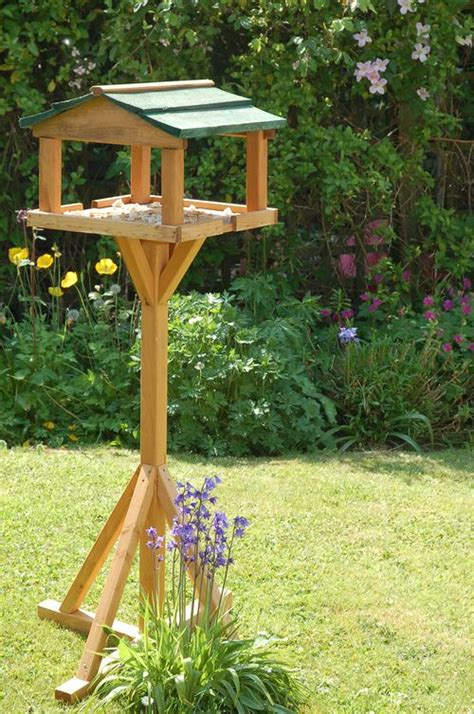 build  bird table   wood plans diy
