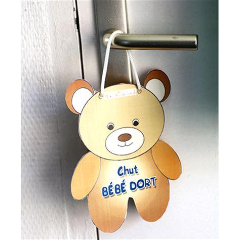 cadre chambre bebe pancarte petit ours chut bébé dort sur tête à modeler