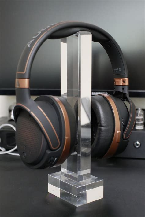 Audeze Mobius: Review as a Music-Oriented Headphone