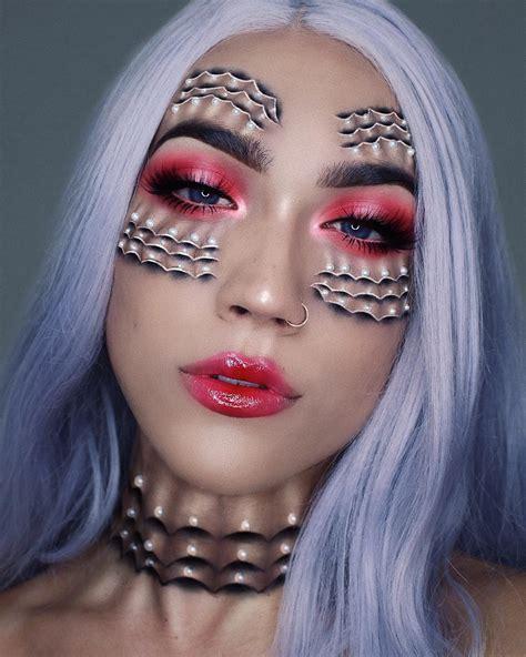 stunning eye makeup art transforms eyes   shimmering lakes