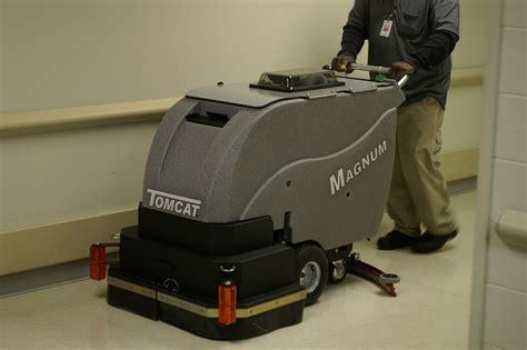 tomcat magnum floor scrubber manual floor scrubber dryer magnum walk commercial floor