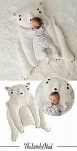 les 25 meilleures idees de la categorie ours peluche sur With tapis chambre bébé avec cadeau de fleurs