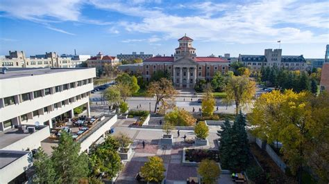 UM Today | Advance voting on Fort Garry campus