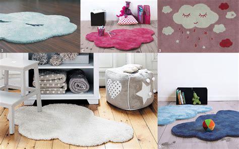 tapis pour chambre de bébé le tapis chambre bébé confort et déco au ras du sol