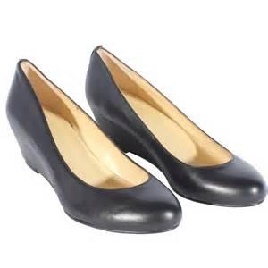 black wedding shoes wedge heel closed toes black wedding shoes 2012 flowerweddingshoes