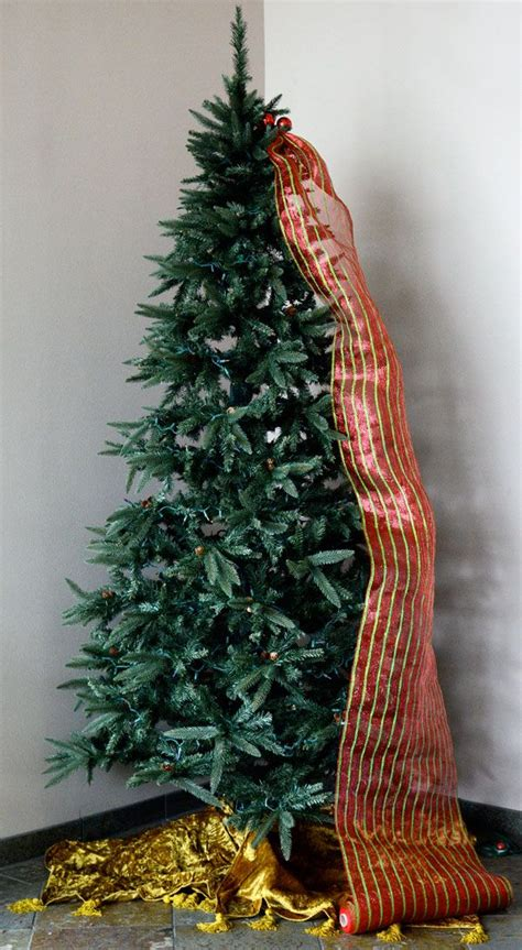decorating a christmas tree with mesh netting decorating with mesh netting www indiepedia org