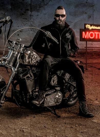 styles pour les hommes biker punk dark tattoo