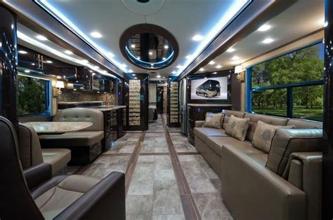 2015 Foretravel Motorcoach IH 45 Luxury Motor Coach MHS