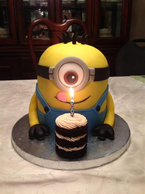 List of stunning minions cake design image ideas that can inspire you to have custom cake designs for upcoming birthdays. Minion Birthday Cake | 13 Incredibly Cute And Creative Minion Cake Designs Ever!